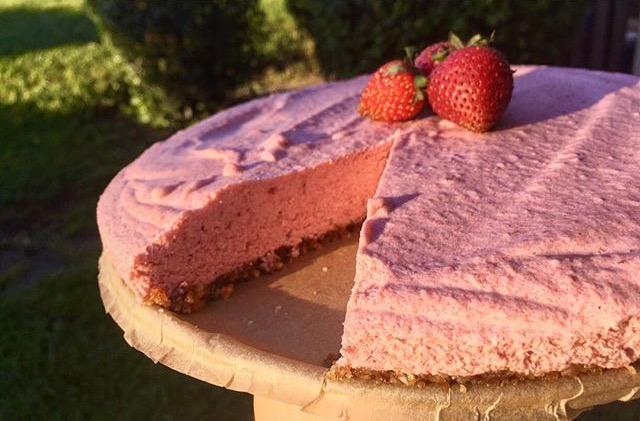 Strawberry Coconut No-BakeCheesecake